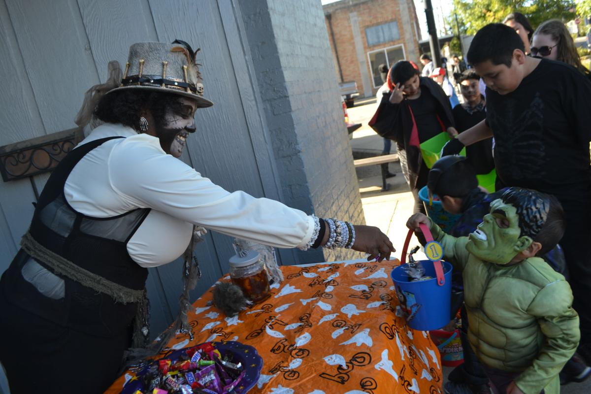 2019 Downtown Trick or Treat (2).JPG