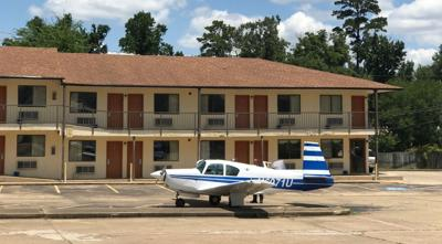 Small plane lands on 259