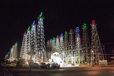 Derrick lighting poised to kick-off holidays