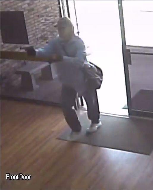 Liberty City Bank Robbery Surveillance Stills (11)
