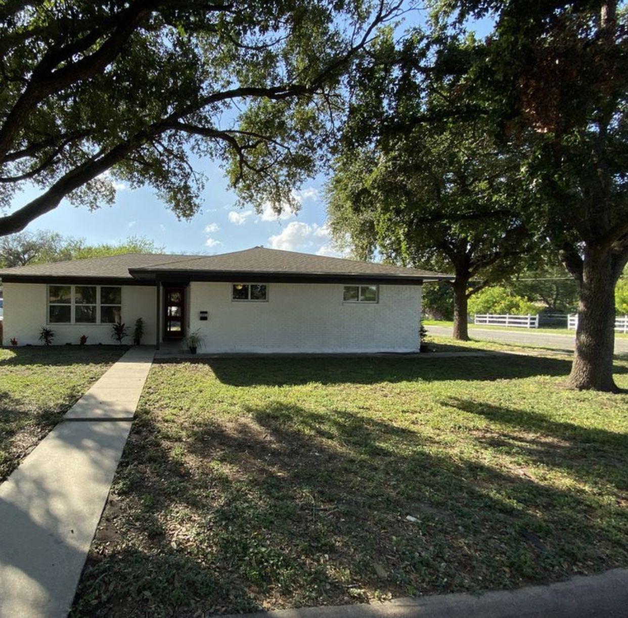 Home for sale! 1021 West Henrietta image 1