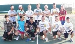 HMK tennis team competes at district