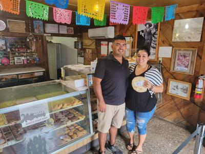 El Pastel Bakery: Serving family pastries for almost 40 years