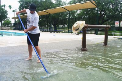 Workers final updates to Brookshire Pool