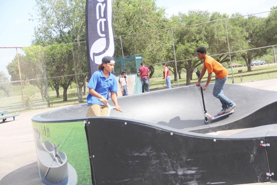 Residents Try Out Pumptrack