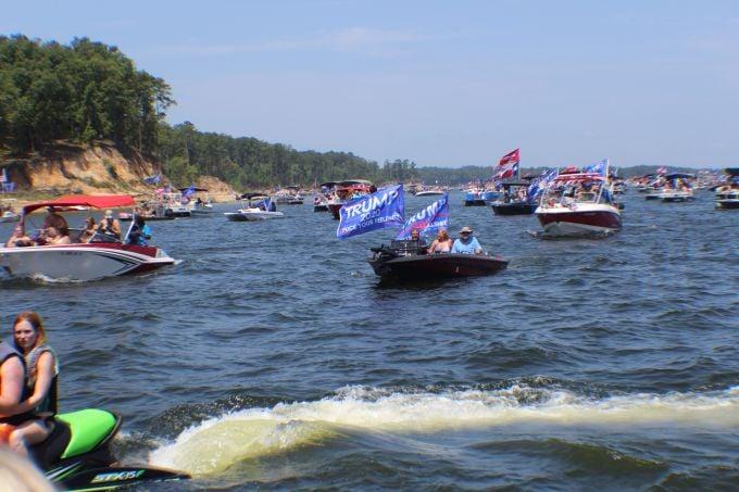 070420 Trump Boat Parade 14 680.jpg