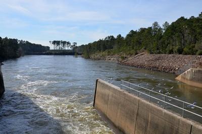 060619 Sam Rayburn Dam (680x453).jpg