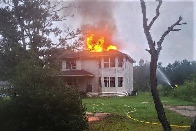 091521 Jamestown House Fire (7).jpg