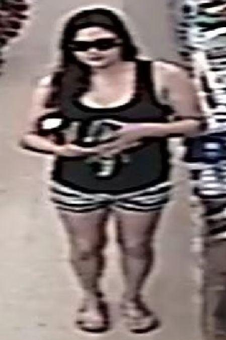 070119 Purse Theft Suspect 01 449.jpg