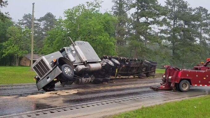 050421 Hwy 10- truck rollover 02 (680).jpg
