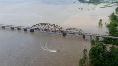 052920 Hwy 190 Dam B Bridge (680x382).jpg
