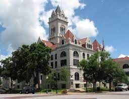 Cole County Courthouse requiring masks