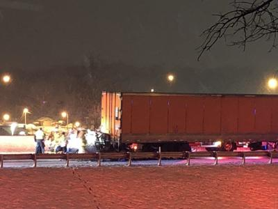 One person dies in I-70 crash in Columbia
