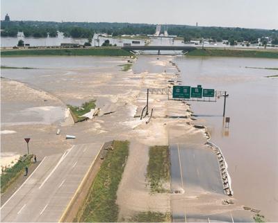 MO River threatens JC