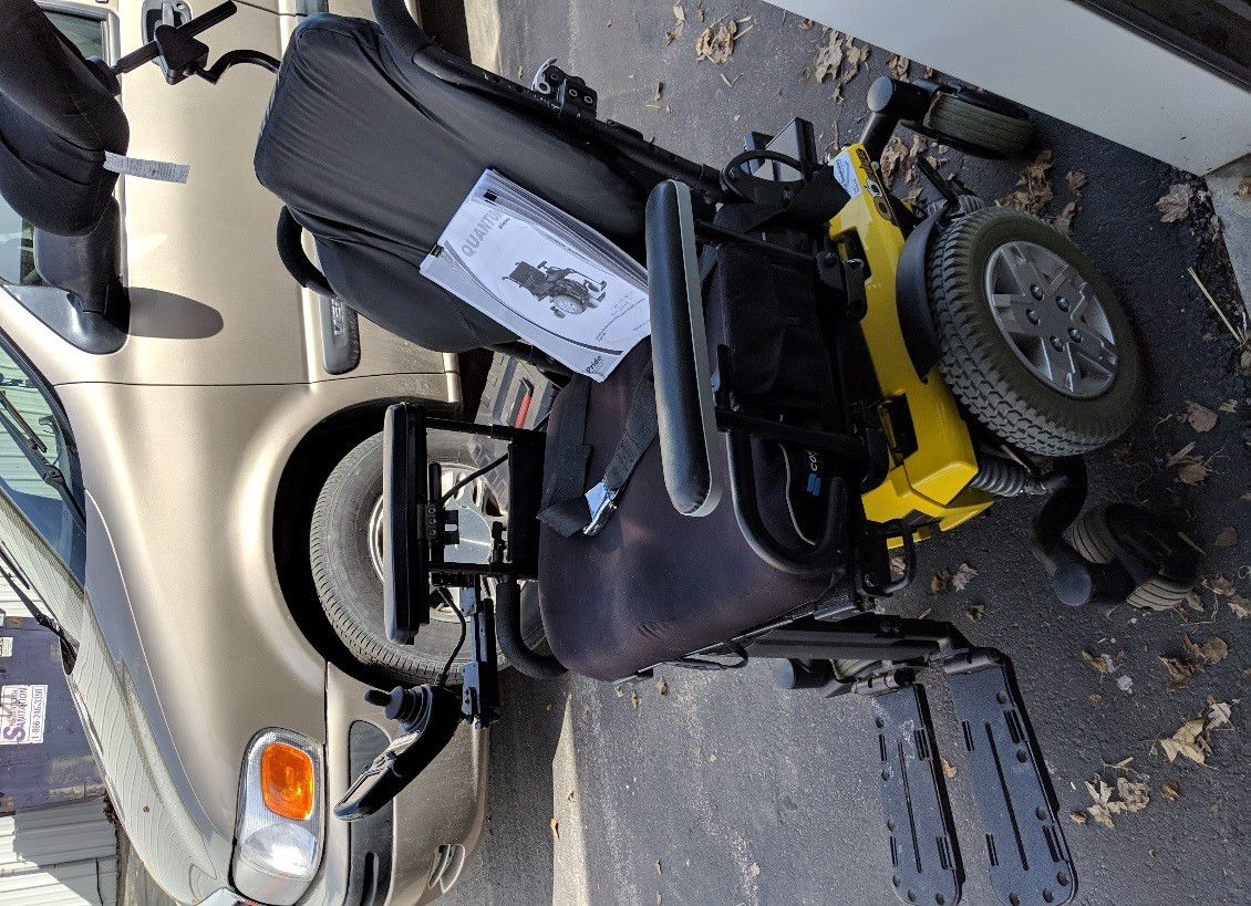 ELECTRIC WHEELCHAIR image 1