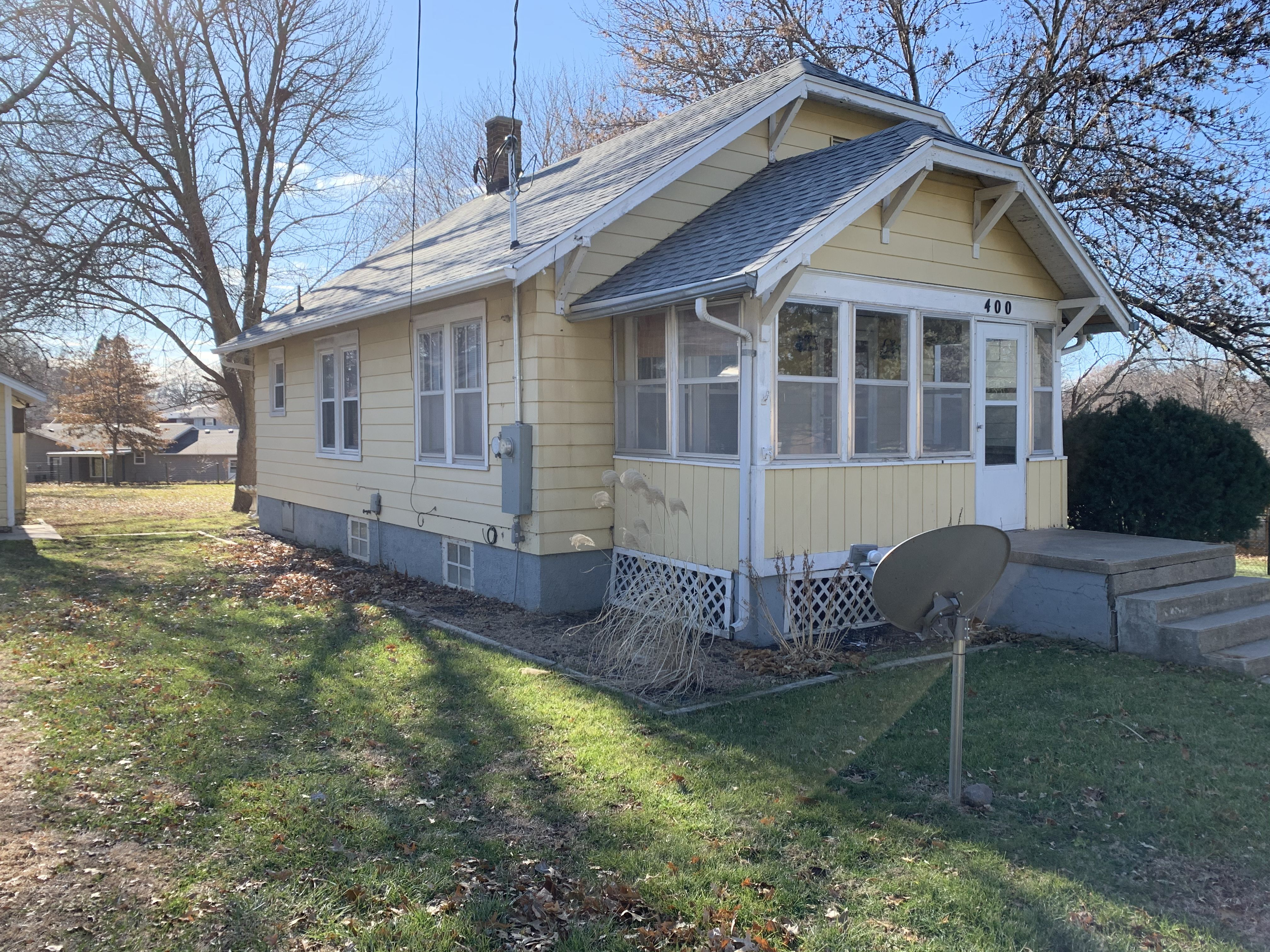 Nice, clean, 2 bedroom 1bath home for rent image 1