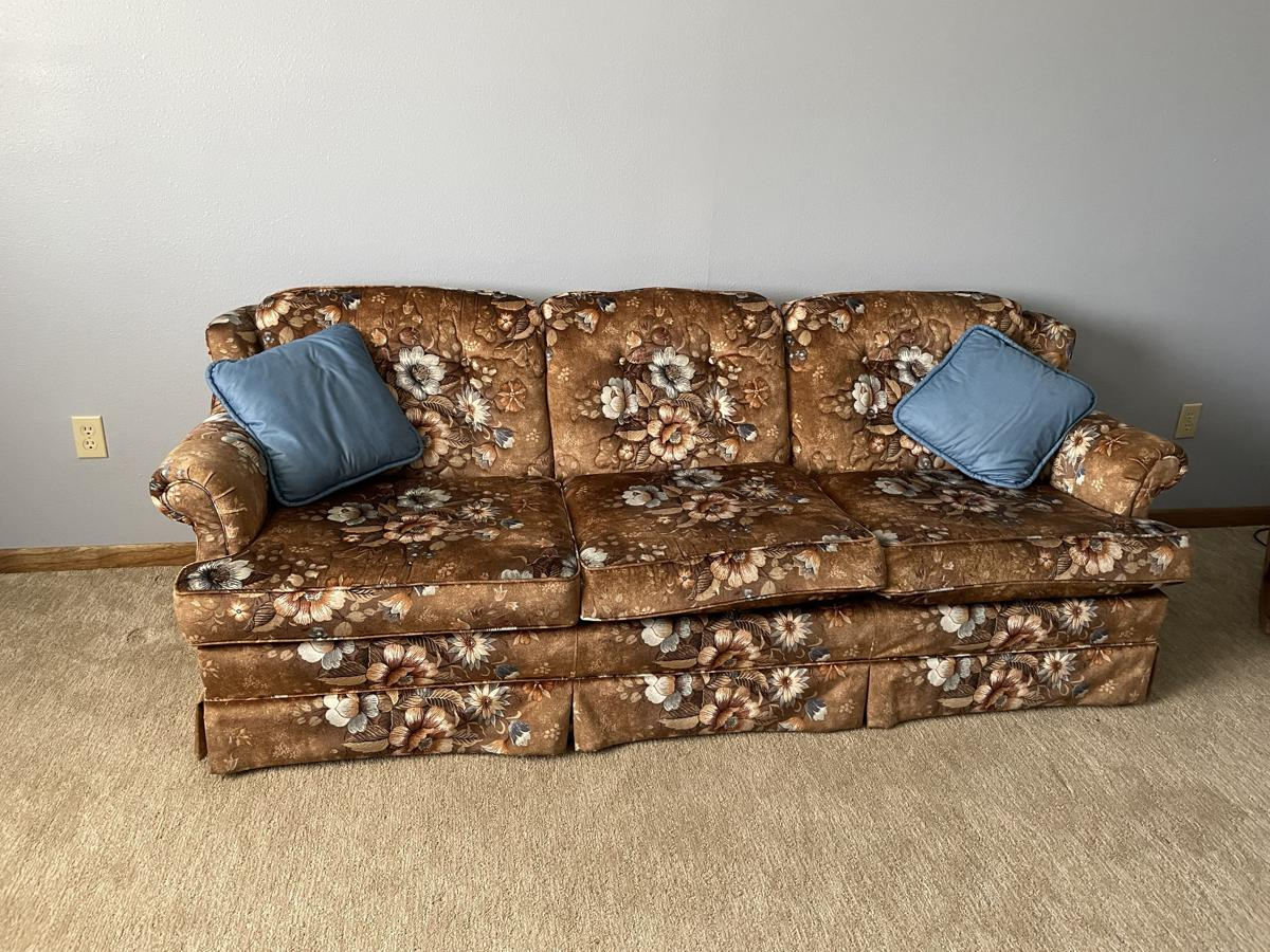 Couch image 1
