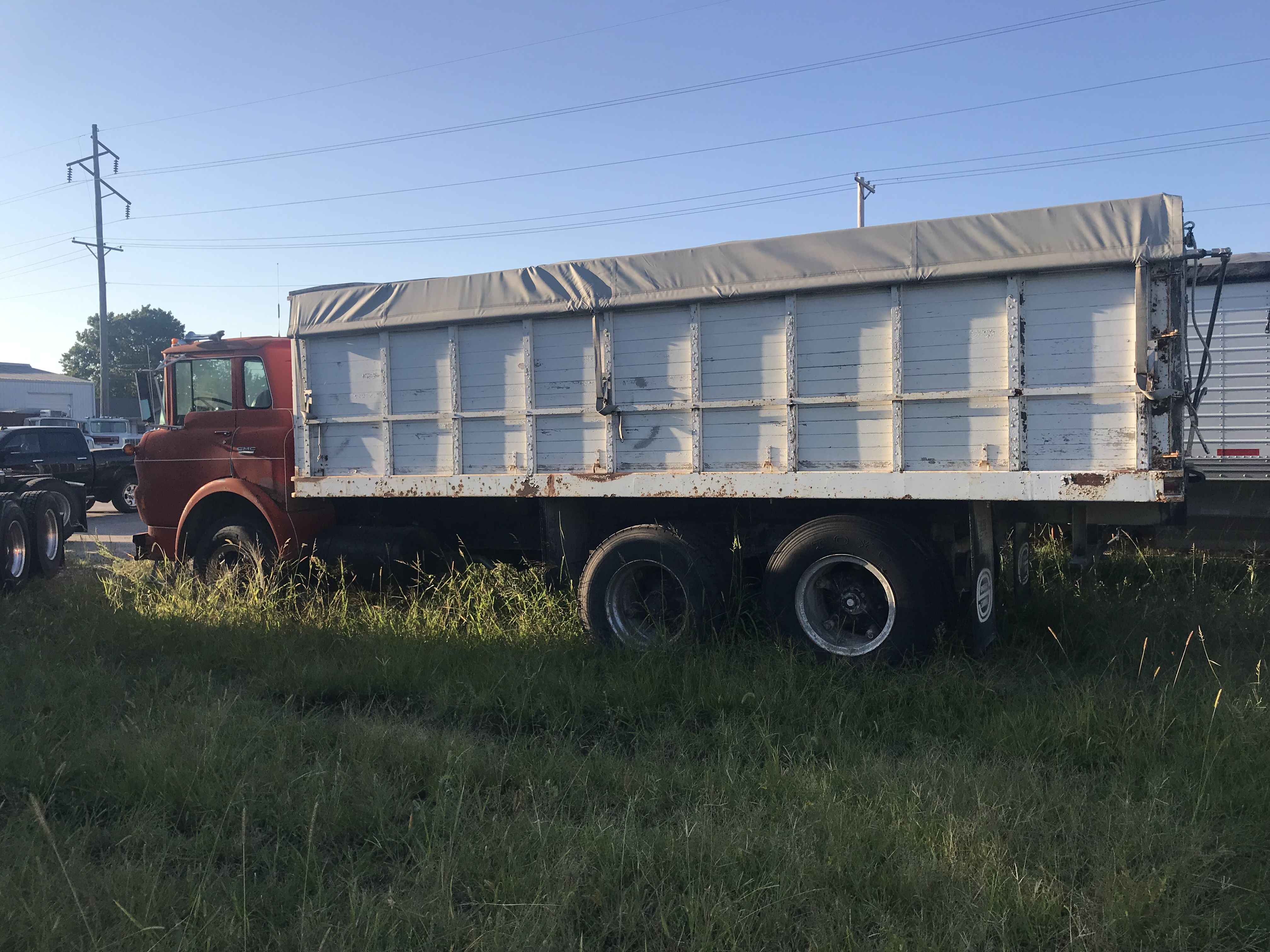Grain truck image 1