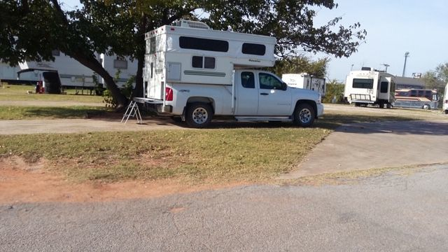 2002 Truck Camper / $2750 image 1