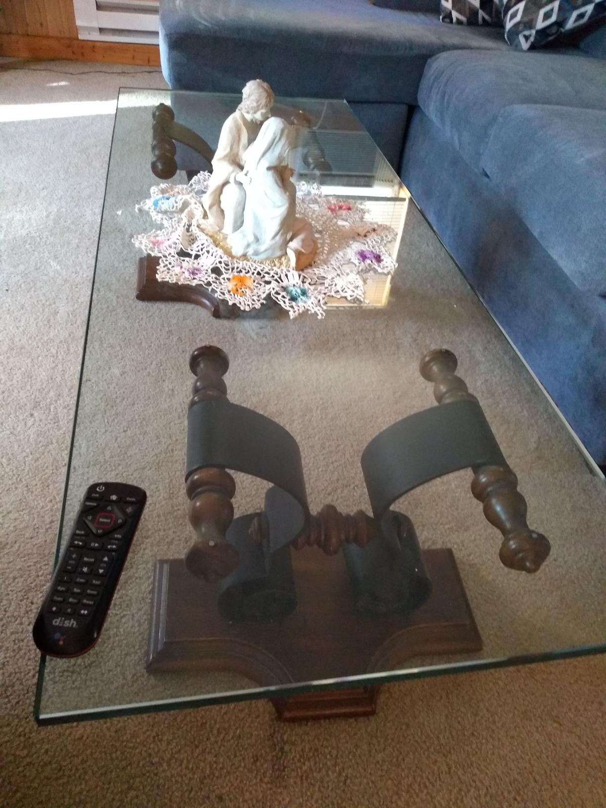 Coffee table and end tables image 1