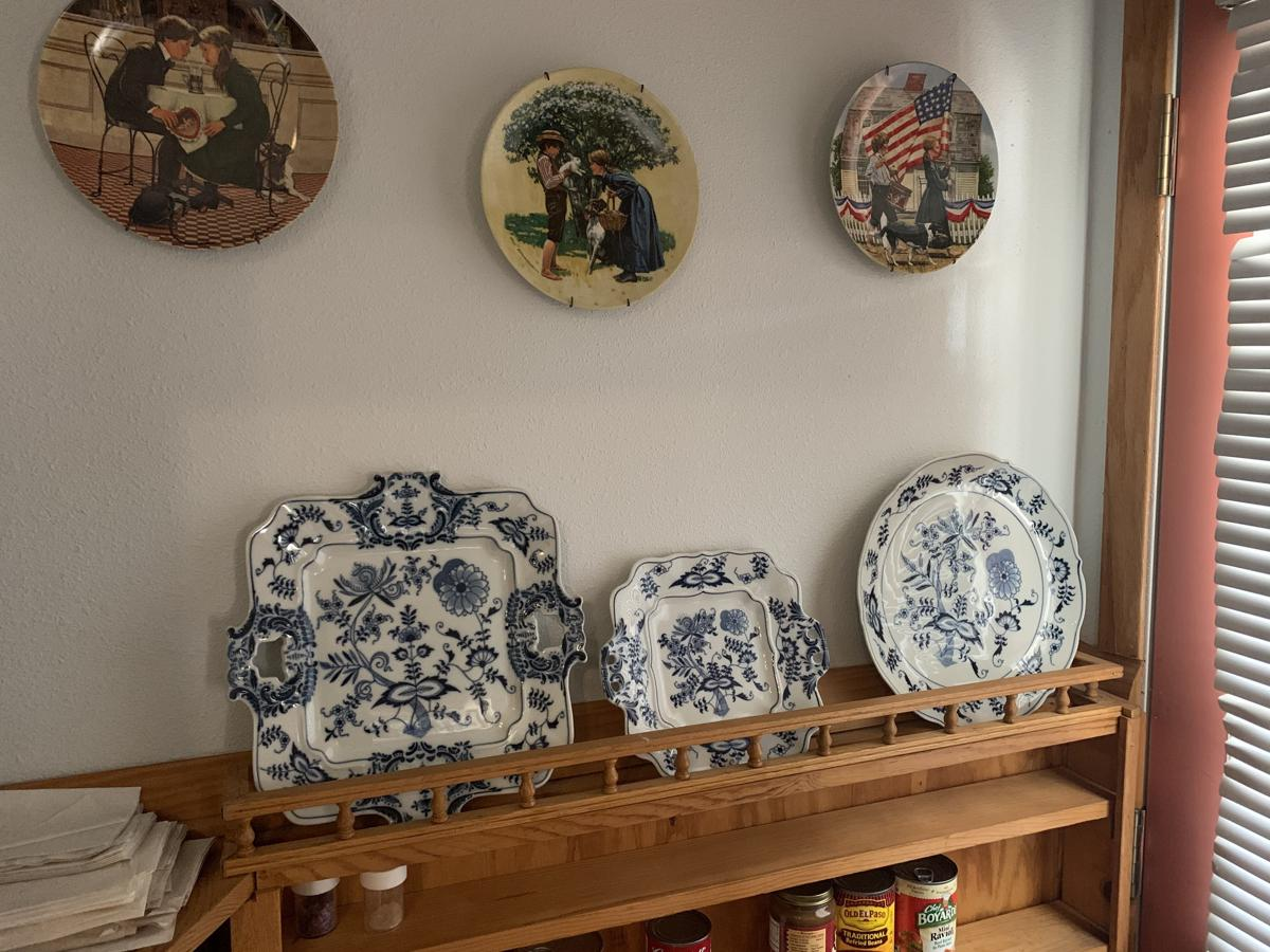 Dishes Blue Danube image 1