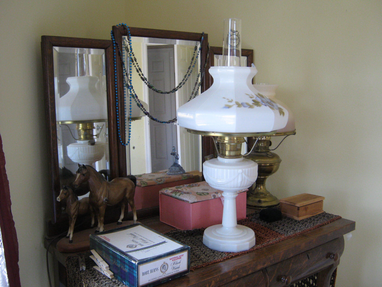 ALADDIN OIL LAMP image 1