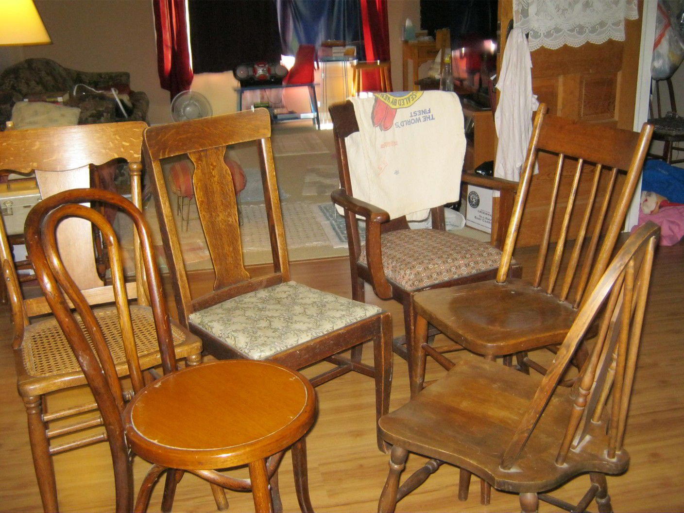 ANTIQUE CHAIRS image 1