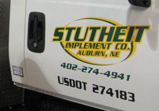 Stutheit Implement