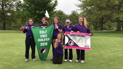 Boyer Valley girls golf