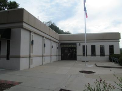 Glenwood City Hall