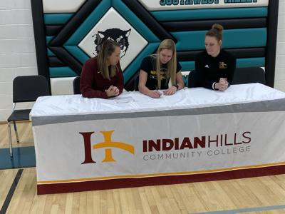 Jentry Schafer signs with Indian Hills