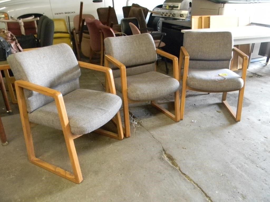 online auction chairs