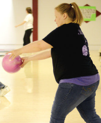 State bowling tournament rolls to a finish