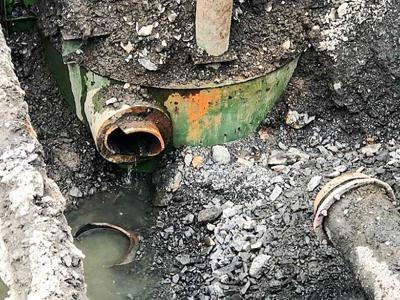 Broken wastewater pipe