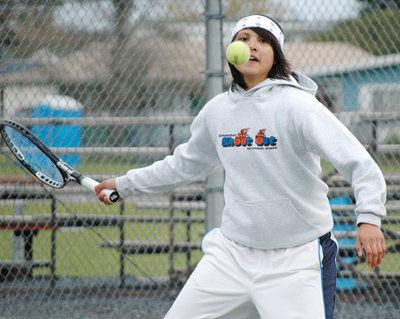 Wright, Garcia win state tennis consolation bracket