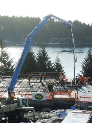 Snow doesn't stop construction on new Kodiak Fish and Game building