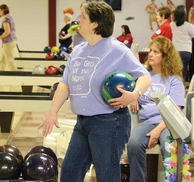 Women's state bowling begins in Kodiak