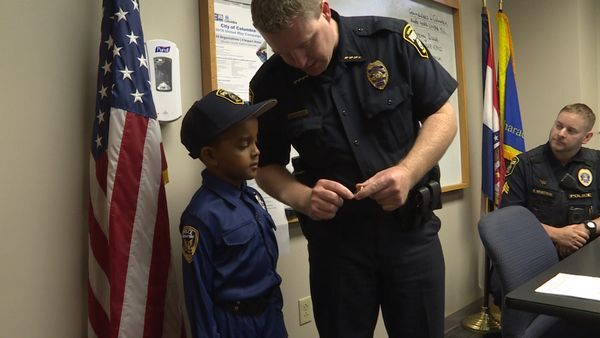 Boy gives birthday money to Columbia police