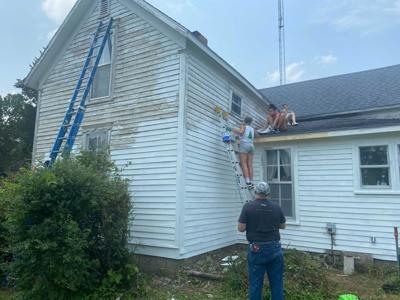 Youths on church mission help mid-Missouri residents fix up homes