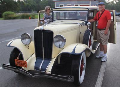 Classic cars depart on Hoosier Tour