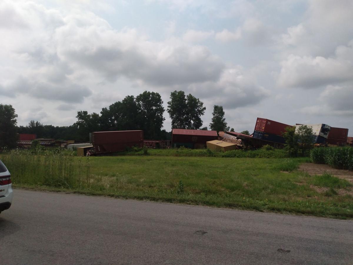 Train cars derail at south edge of Auburn