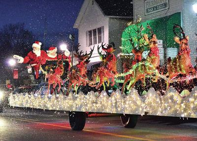 Christmas In Indiana.Ne Indiana Loves A Christmas Parade Kpcnews Kpcnews Com