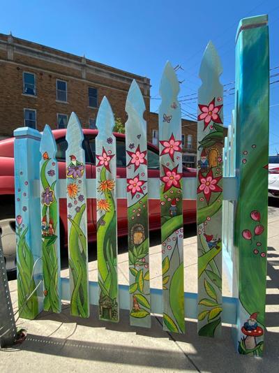 Downtown Auburn fence art