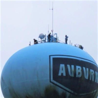 Crew on Auburn water tower