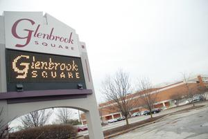 Fort Wayne Mall >> Glenbrook Square Remains Open For Business Fort Wayne Mall Going