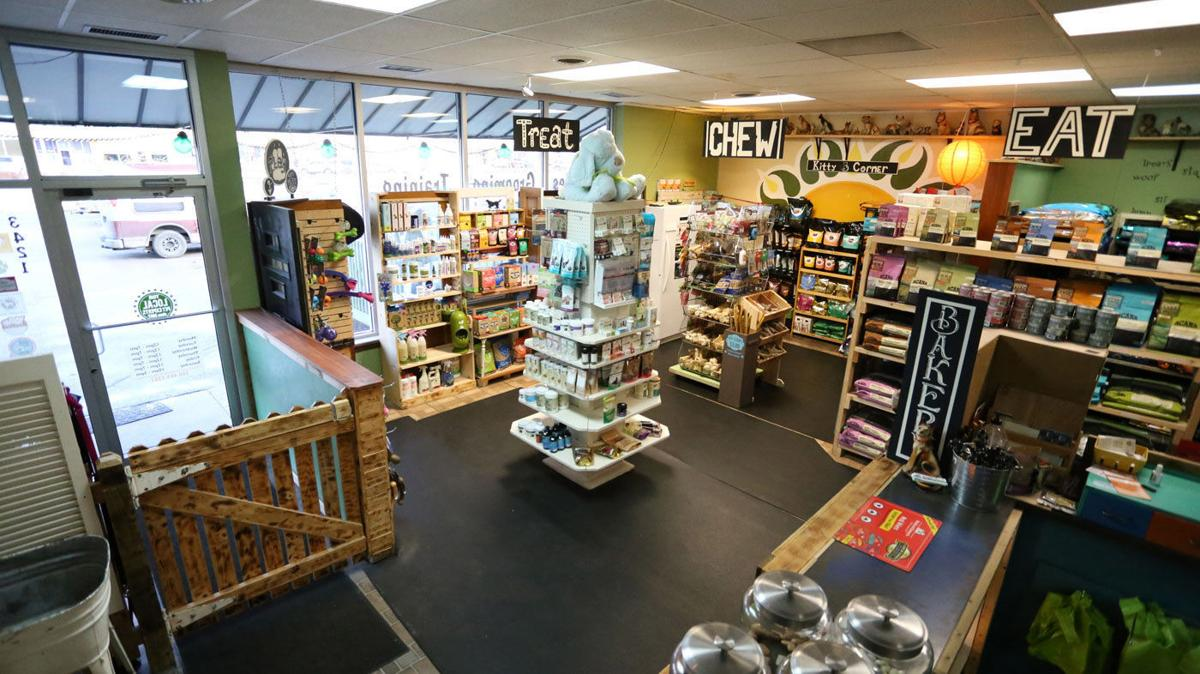 Pet supply store celebrates anniversary | Infortwayne