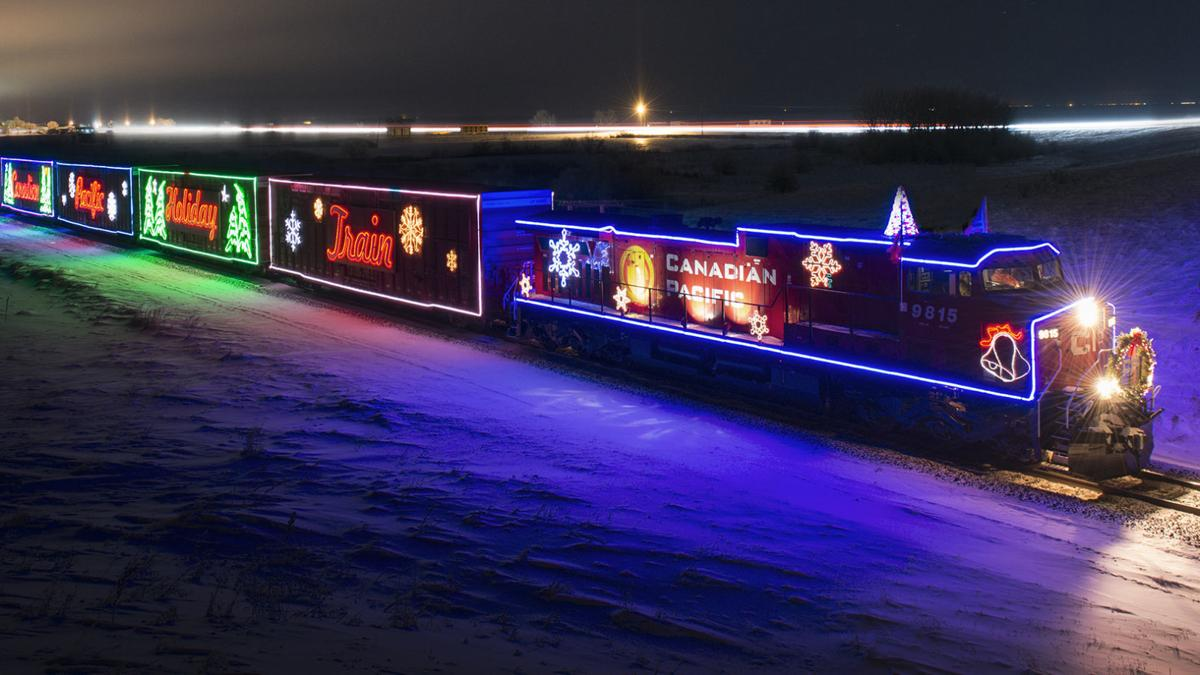Holiday Train party undimmed by railroad's lights-out policy