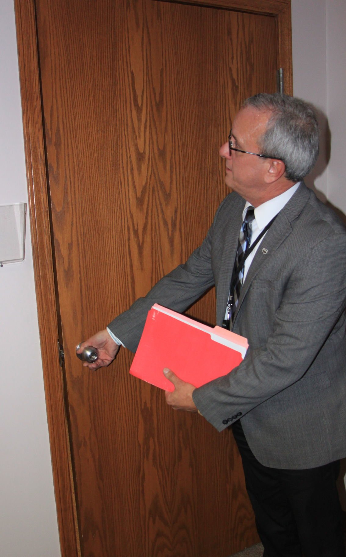 Auburn Mayor Mike Ley office door problems