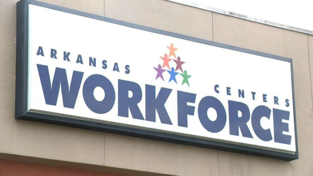 Arkansas' jobless rate dips to 4.4%