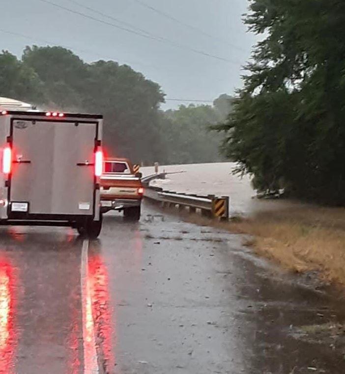 Flooding over Highway 6 in Sabine Parish (Barry Howard)